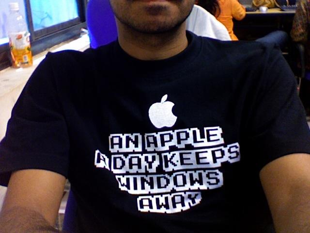 એક સફરજન વિન્ડોઝને રાખે દૂર..